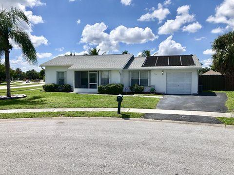 Photo of 5575 Cynwyd Cir, Lake Worth, FL 33463