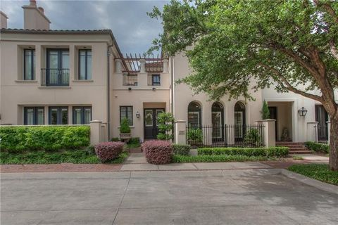 Photo of 2709 Museum Way, Fort Worth, TX 76107