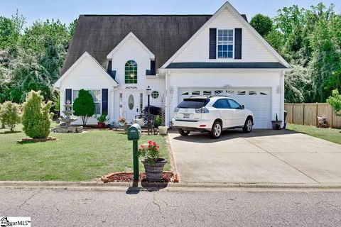 Photo of 253 Rivers Edge Dr, Easley, SC 29642