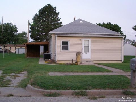 Photo of 418 N Iowa Ave, Kanopolis, KS 67454