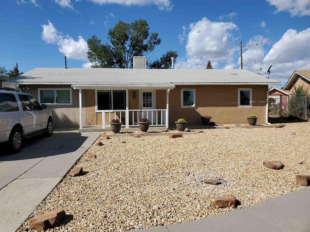 65 Isleta Dr Los Alamos, NM 87547