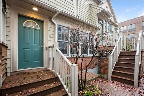 77 Locust Ave Apt 114, New Canaan, CT 06840