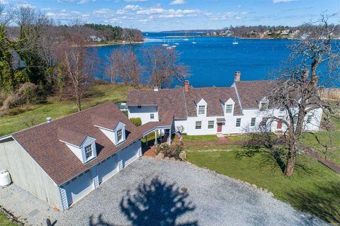 Photo of 26 Van Wyck Ln, Lloyd Harbor, NY 11743