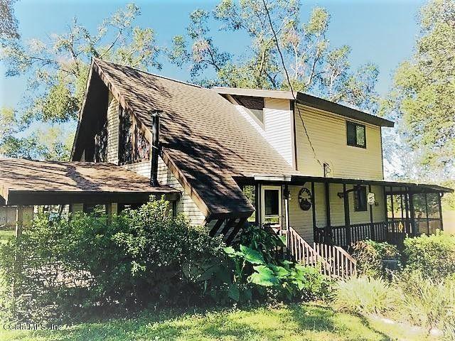 17627 SE 14th St Silver Springs, FL 34488