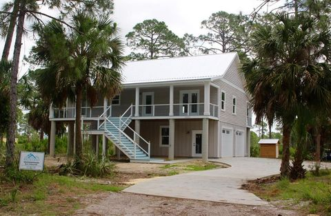 Awesome Waterfront Homes For Sale In Cedar Key Fl Realtor Com Home Interior And Landscaping Spoatsignezvosmurscom
