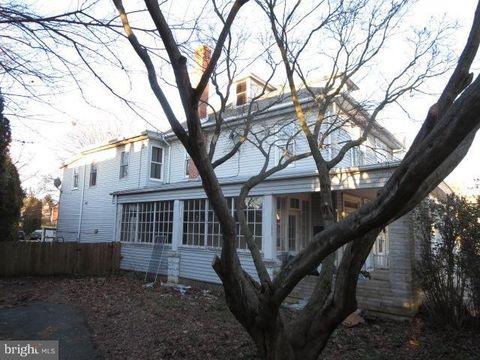 284 W Franklin St, Ephrata, PA 17522