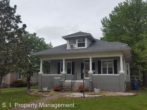 Photo of 502 S Virginia Ave, Marion, IL 62959