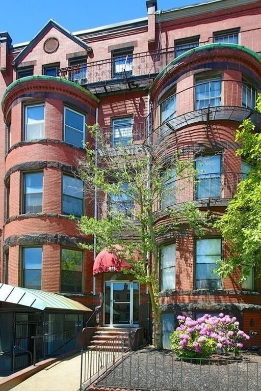 922 Beacon St Apt 12 Boston, MA 02215