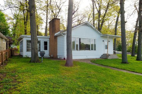 Photo of 34217 Hillside Dr, Paw Paw, MI 49079