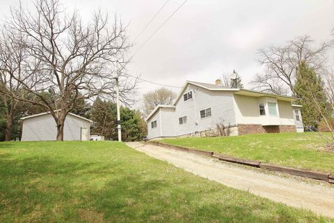 Photo of 2709 E Waits Rd, Kendallville, IN 46755