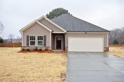 Photo of 142 Donsdale Dr Unit 59, Statesville, NC 28625