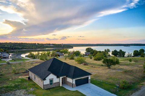 Photo of 127 Lakeshore Dr, Runaway Bay, TX 76426
