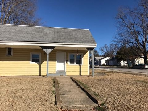 Photo of 3313 Igleheart Ave, Evansville, IN 47712
