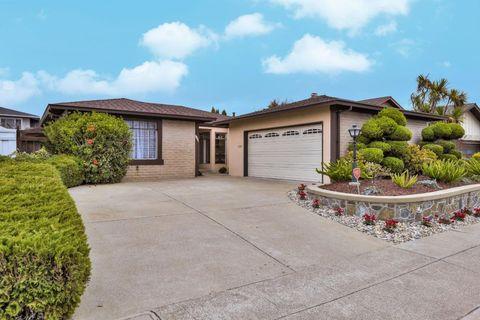 1261 Swordfish St, Foster City, CA 94404