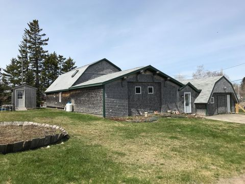 Photo of 10 Arnold St, Eastport, ME 04631