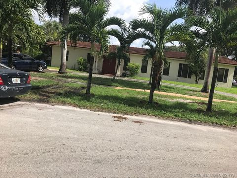 Photo of 695 Ne 151st St Unit 2, Miami, FL 33162