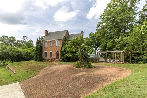 4012 Holston College Rd, Louisville, TN 37777