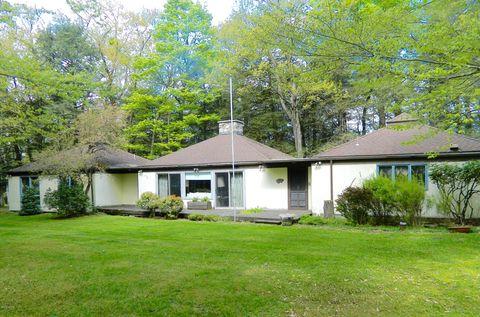 Photo of 751 Laporte Ave, Eagles Mere, PA 17731