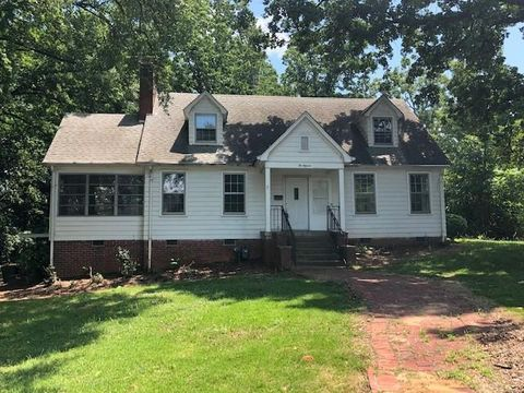 Photo of 211 Indian Hill St, Gaffney, SC 29340