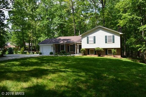 11902 Waples Mill Rd, Oakton, VA 22124