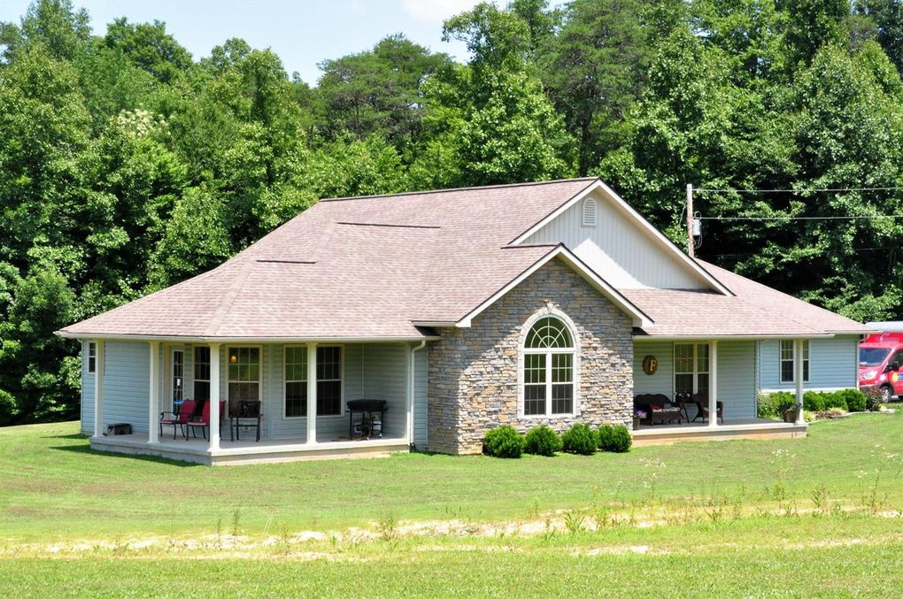 56 Windy Acres Dr, West Liberty, KY 41472