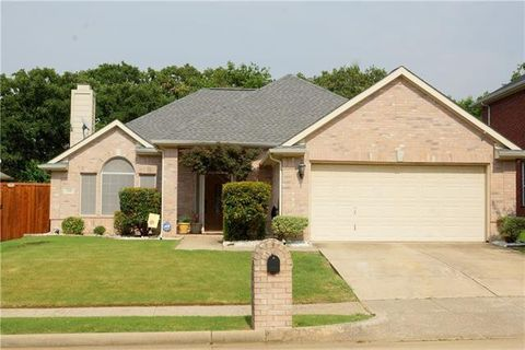 Photo of 530 Briaroaks Dr, Lake Dallas, TX 75065