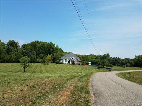 Photo of 2461 Goodwyn Lake Ct, Powhatan, VA 23139