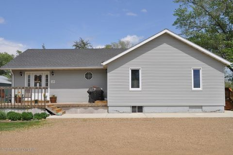 1109 2nd Ave W, Lemmon, SD 57638