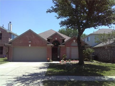 Photo of 6718 Amberdale Dr, Fort Worth, TX 76137