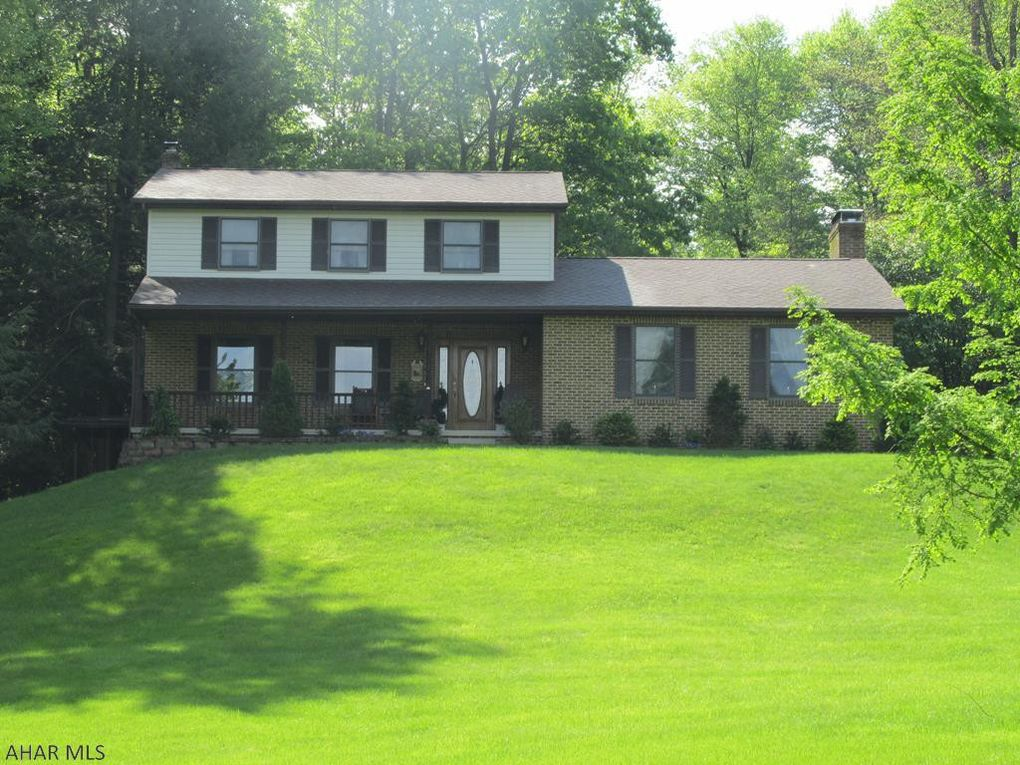169 Beechwood Dr, Altoona, PA 16601