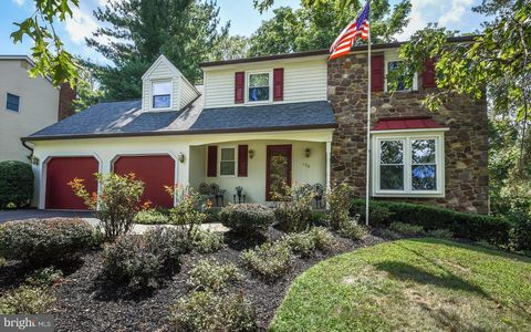 Fine Newtown Pa Real Estate Newtown Homes For Sale Realtor Com Home Interior And Landscaping Pimpapssignezvosmurscom