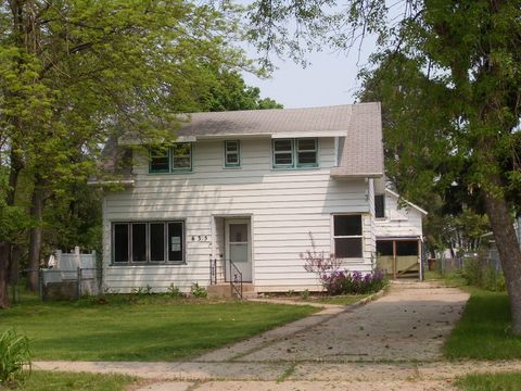 Photo of 635 13th St Sw, Huron, SD 57350