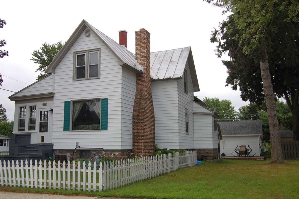 856 Madison St, Oconto, WI 54153