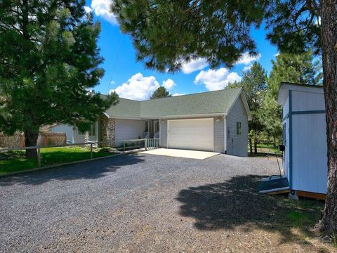 54661 Silver Fox Dr, Bend, OR 97707