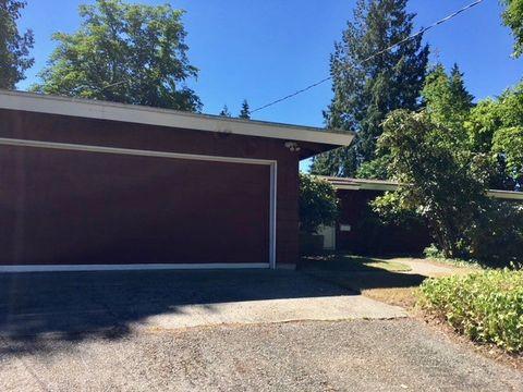 Photo of 1815 116th Ave Ne, Bellevue, WA 98004