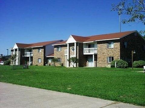 Photo of 10527 Langston Dr, Baytown, TX 77523