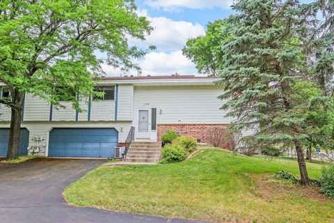 Photo of 10546 Decatur Ave S, Bloomington, MN 55438