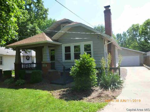 Photo of 1132 S East St, Jacksonville, IL 62650