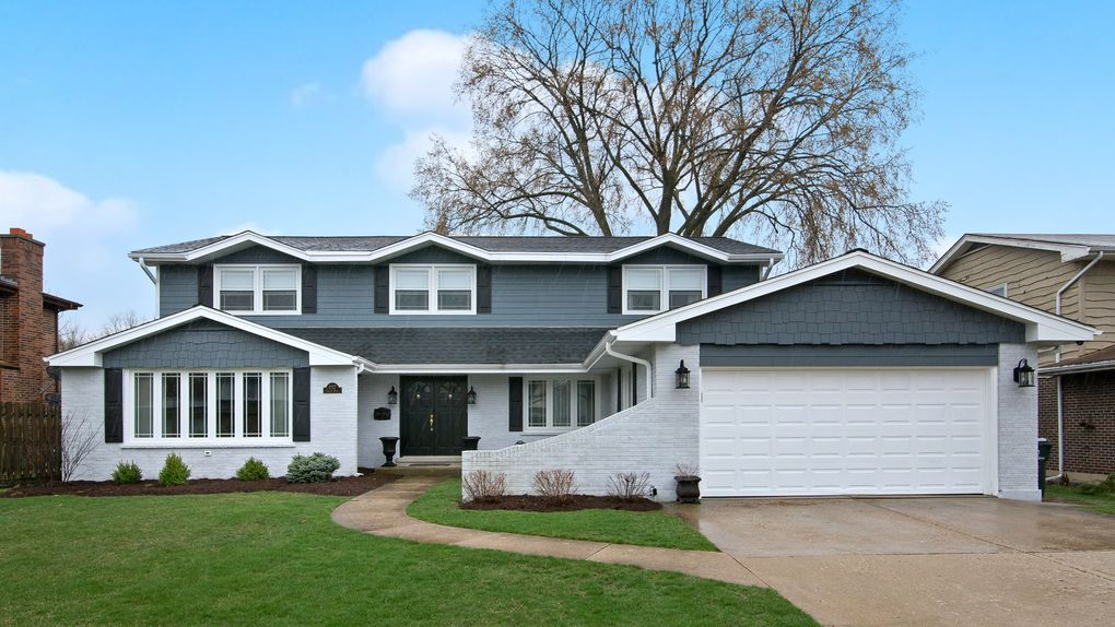 2727 Covert Rd Glenview, IL 60025