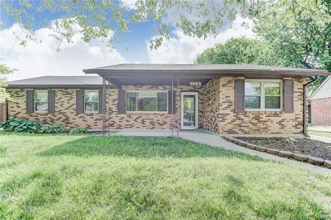 1569 Sioux Dr, Xenia, OH 45385