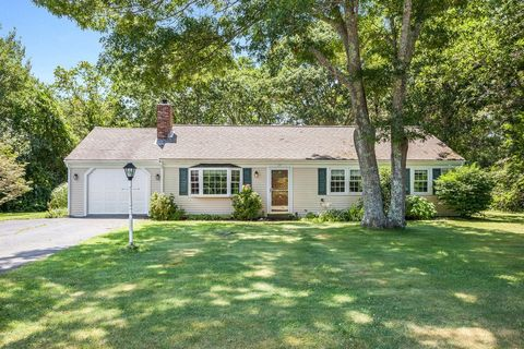 Photo of 25 Piccadilly Rd, Sandwich, MA 02563
