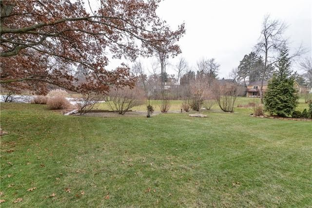 1548 Commerce Pines Dr, Commerce Township, MI 48390