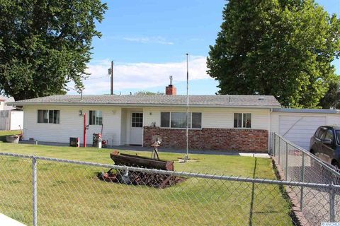 Photo of 221205 E Bryson Brown Rd, Kennewick, WA 99337