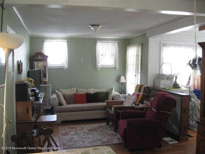 1408 8th Ave, Neptune Township, NJ 07753 - realtor.com®