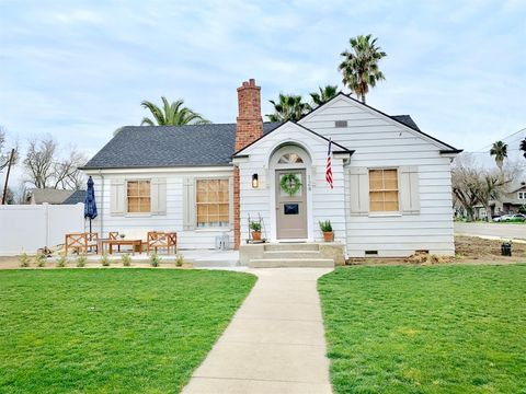Photo of 124 N 4th St, Patterson, CA 95363