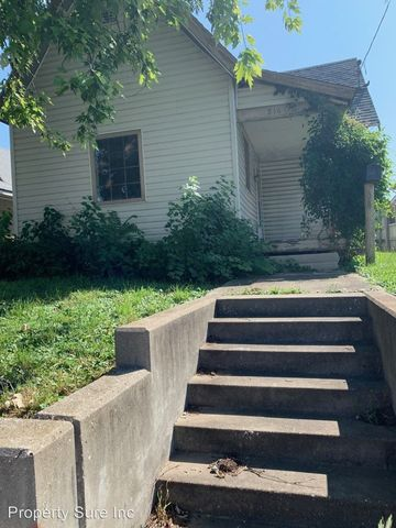 Photo of 816 Lincoln Ave, Bedford, IN 47421