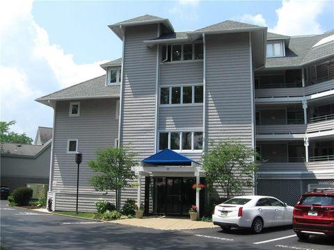 Photo of 10 Peninsula-rental Dr Unit 28, Erie, PA 16505