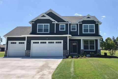Photo of 11695 Eagle Forest Dr, Freeland, MI 48623