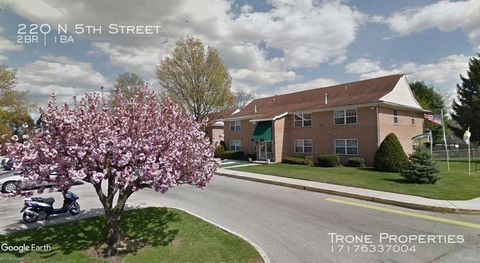 Photo of 220 N 5th St, McSherrystown, PA 17344