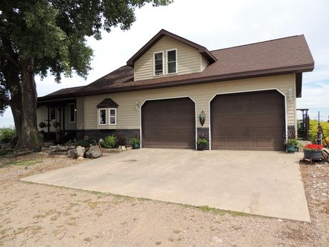 Photo of 16957 445th Ave, Henry, SD 57243